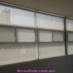 Enrollable Elegance Screen 2500 White Bone